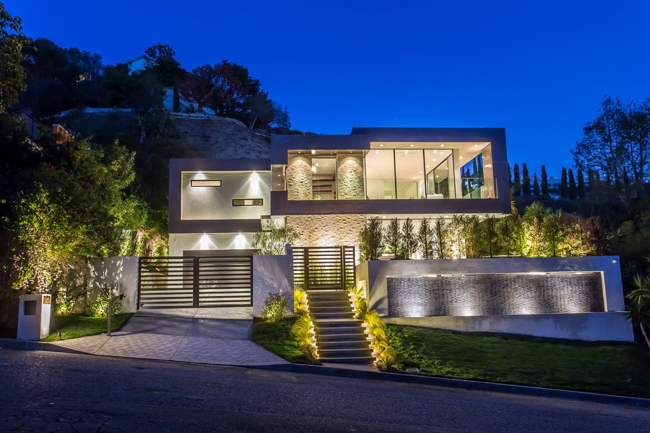 1424 Rising Glen Road Mantis 3d Beautiful Modern Homes Hollywood Hills Homes Hollywood Hills