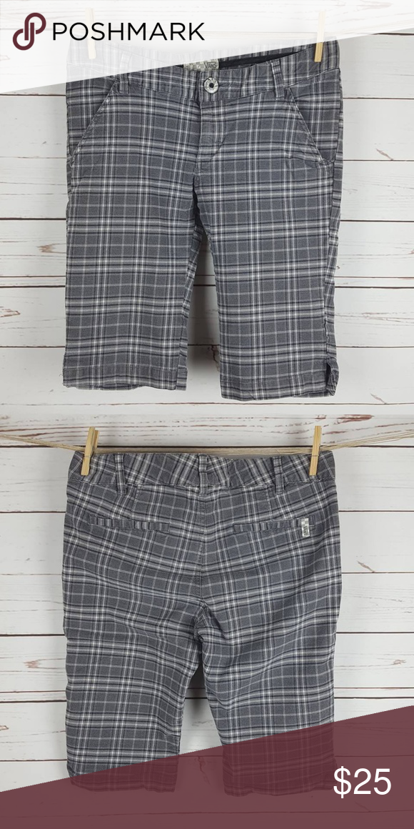 5558878f1f Vans Junior's Grey Plaid Bermuda Shorts 7 Brand: Vans Size: 7 Color: Grey  plaid Fabric: 98% cotton 2% spandex Condition: Great Waist: 17