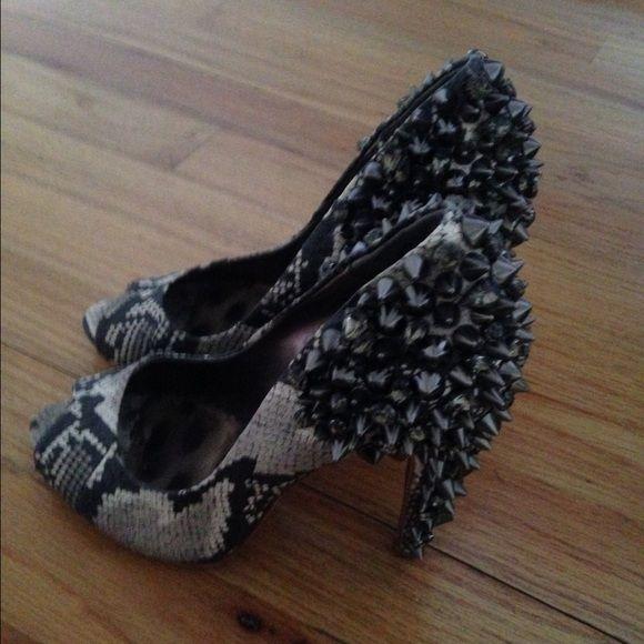 Snake stud peep toe pumps Snake peep toe pumps size 7 worn a few times no defects of scratches Sam Edelman Shoes Heels