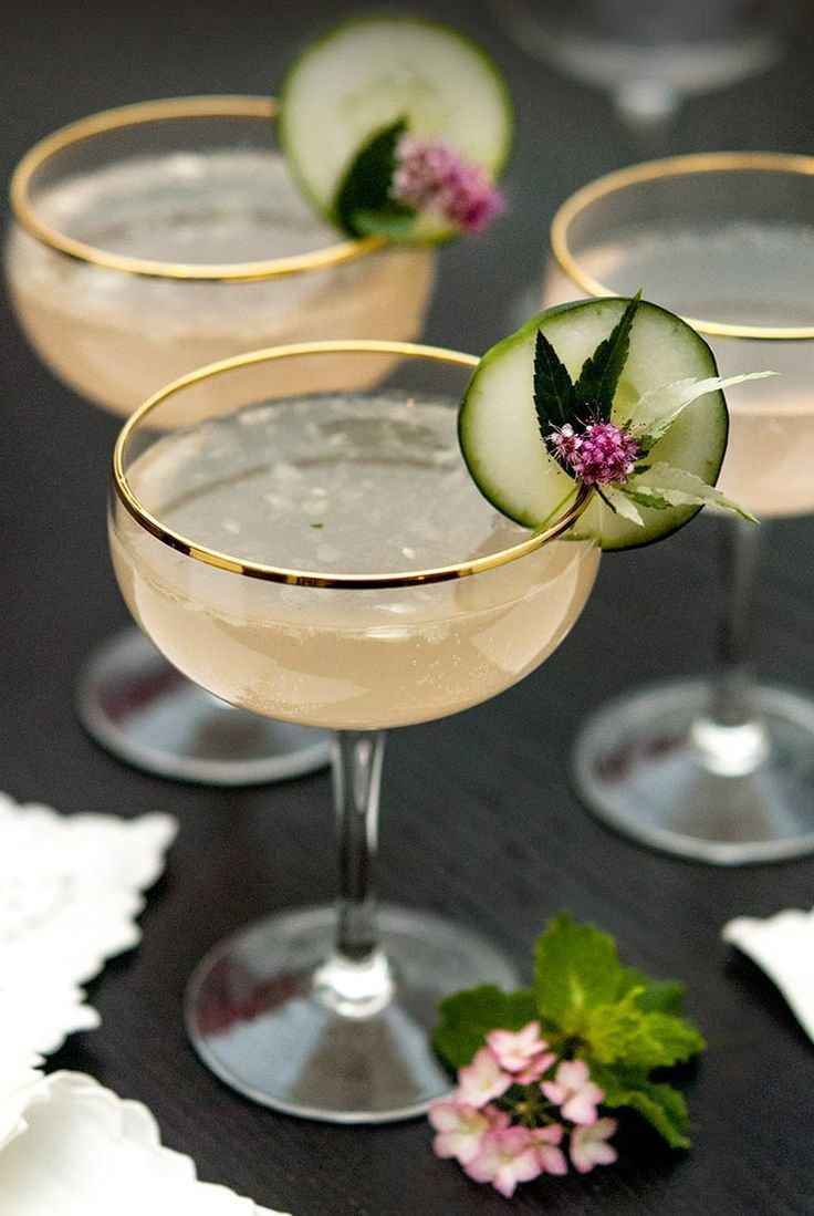 Sparkling Pink Grapefruit Cocktail with Cucumber -  This exquisite sake & pink grapefruit cocktail is shaken with muddled cucumber and mint, splashed w - #Cocktail #cocktailrecipes #CUCUMBER #Grapefruit #Pink #placestotravelalone #Sparkling #travelgear #travelmoments #travelphotos #tuscanytravel
