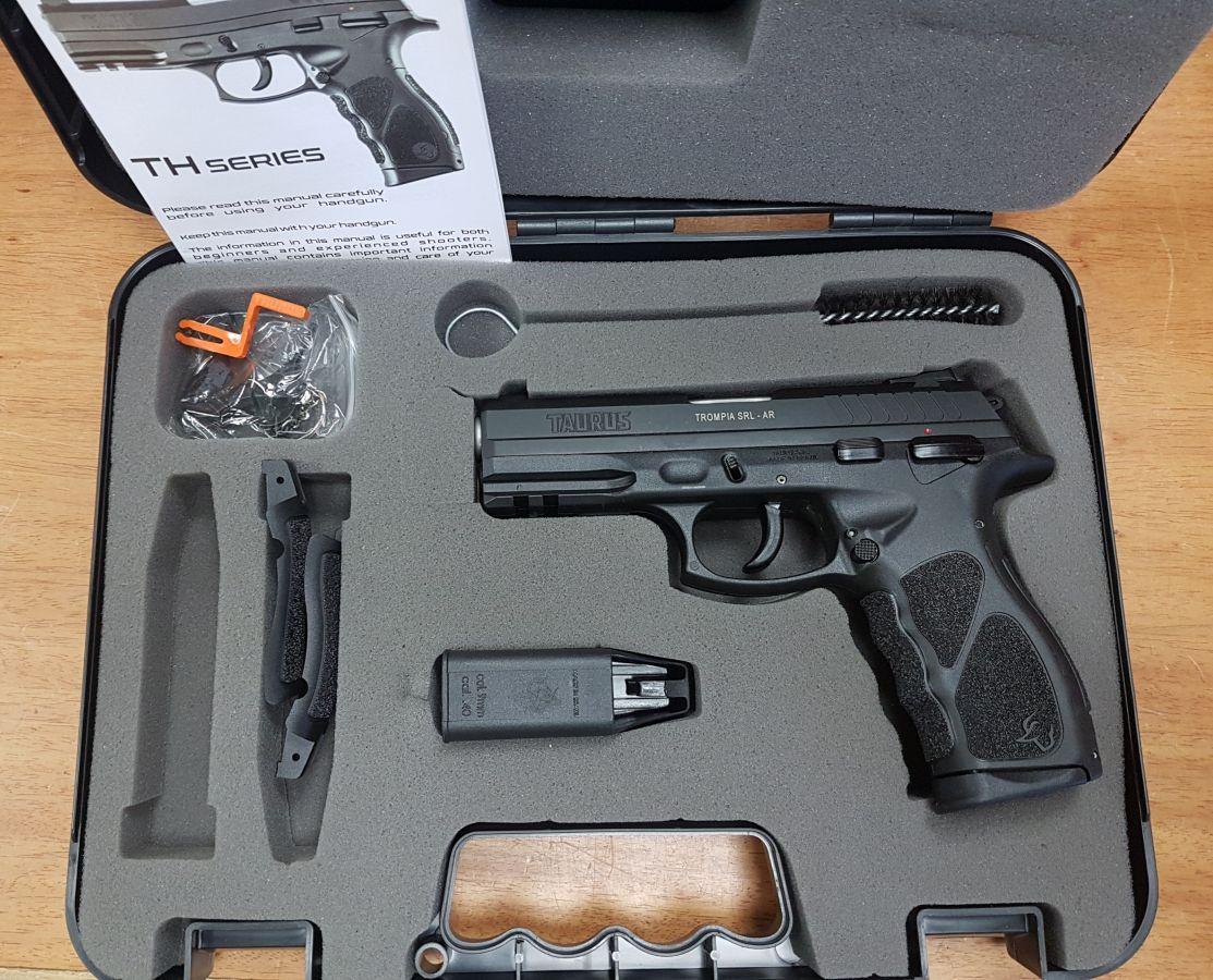 Full Aventura :  - Santa Fe Deportes - Pistolas Taurus - Taurus TH9