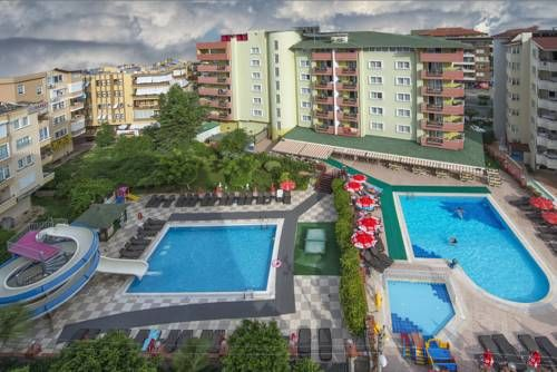 Riviera Apart Alanya Riviera Apart Hotel is located in Alanya, 400 metres from the long, sandy Kleopatra Beach. It features a pool with water slide and a TV hall with Play Station.