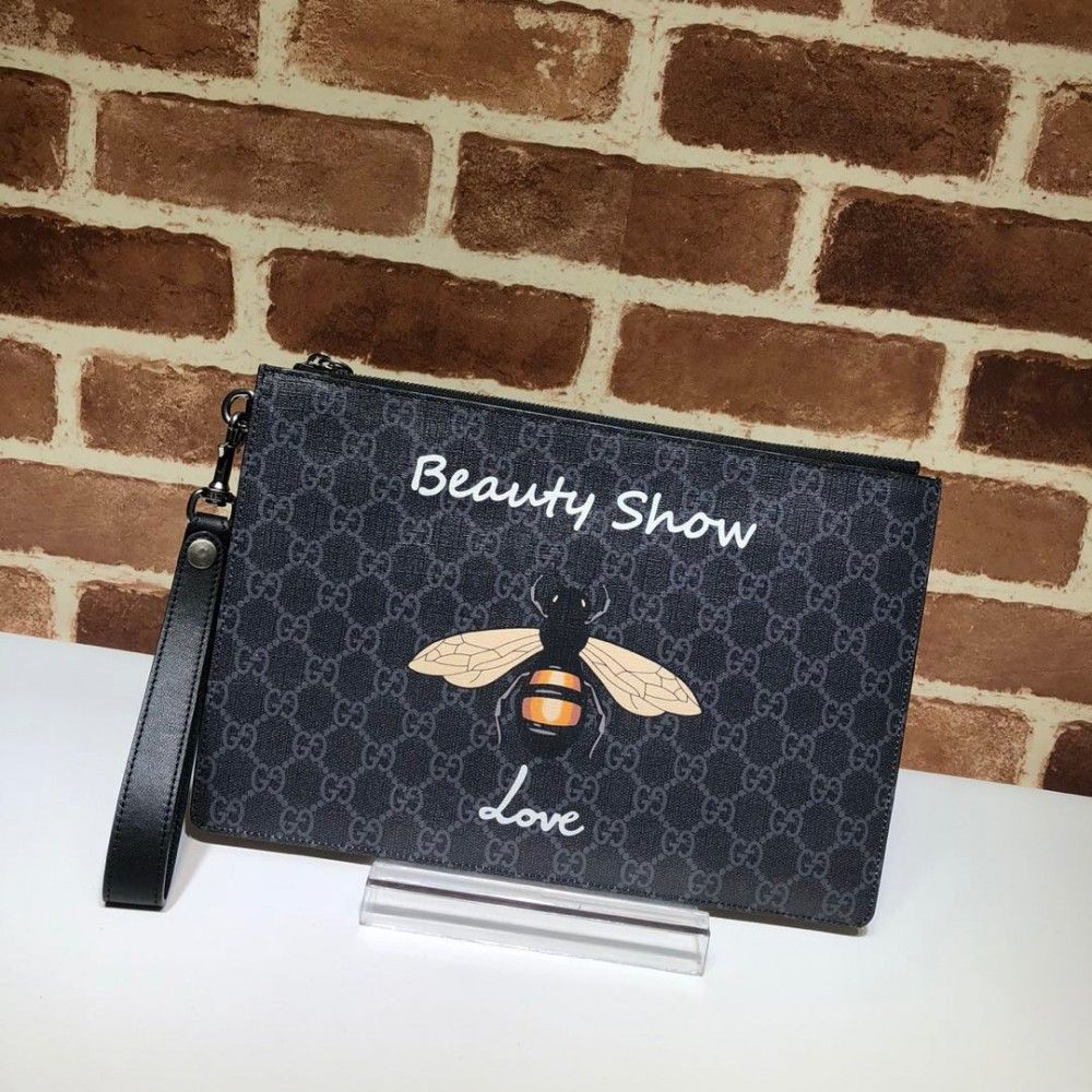 e3fe5b1091e9 Gucci Bee print GG Supreme pouch 473904 | Luxury Wallets | Replica ...