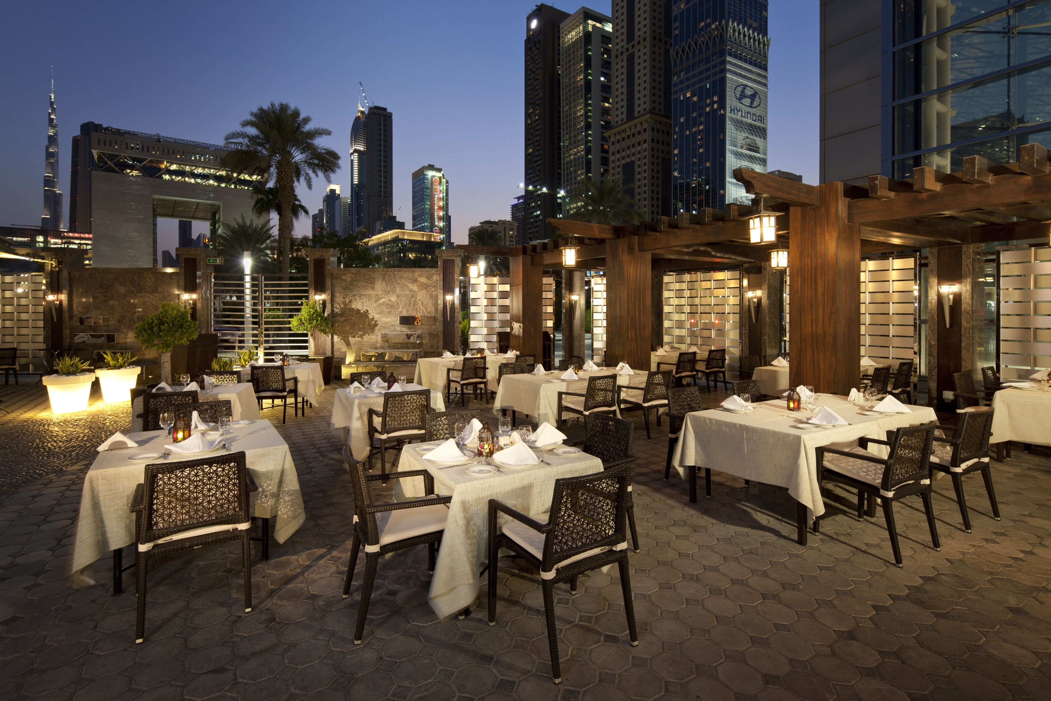 Jumeirah Emirates Towers Hotel Dubai Restaurants Al Nafoorah