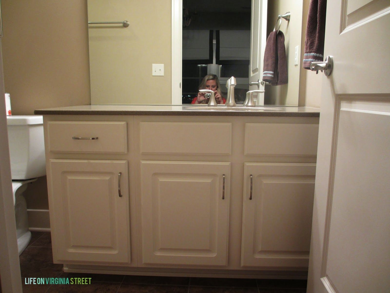 bathroom vanity makeover using country chic paint | bathroom