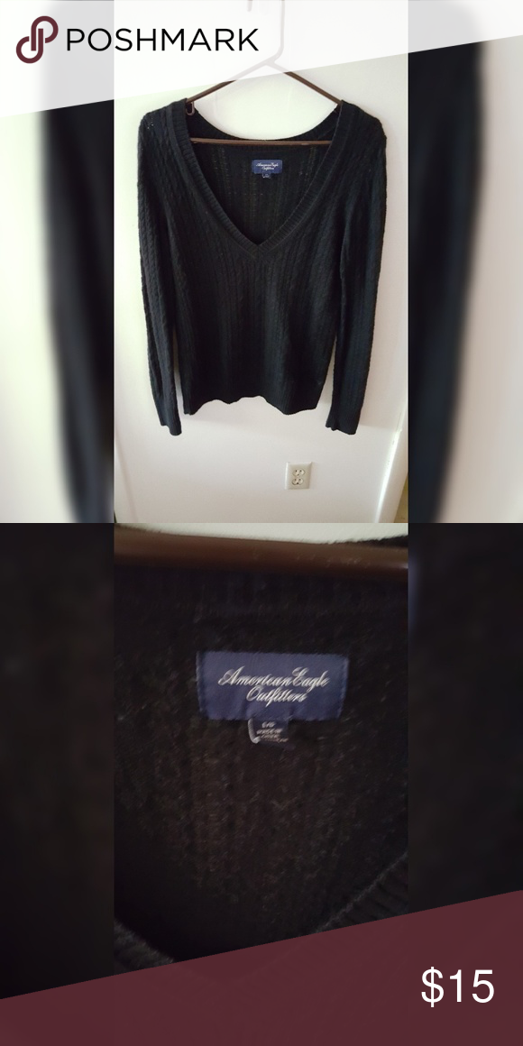 AE Cable Knit Sweater Worn once just no longer fits! American Eagle Outfitters Sweaters V-Necks