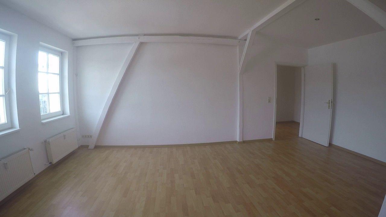 Traumhaftes Dachgeschoss Nach Sanierung In Eine 2 Zimmer Mietwoh