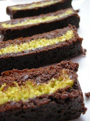 Pistachio marzipan brownies