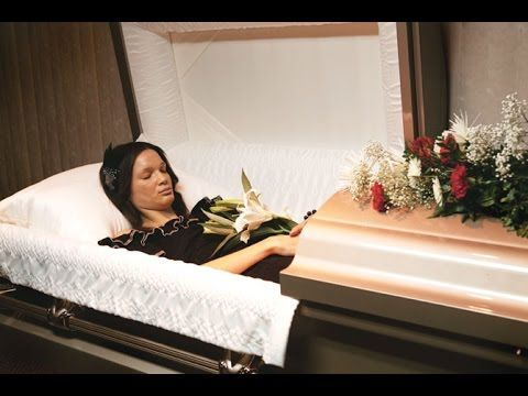 Sad 30 Photos Of Celebrity Open Casket Funerals That Will Shock You
