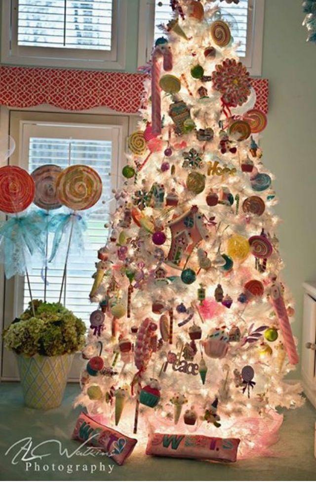 Christmas tree-- Pastels #christmas #pastels #pastel #christmasinpastels #pastelcolors