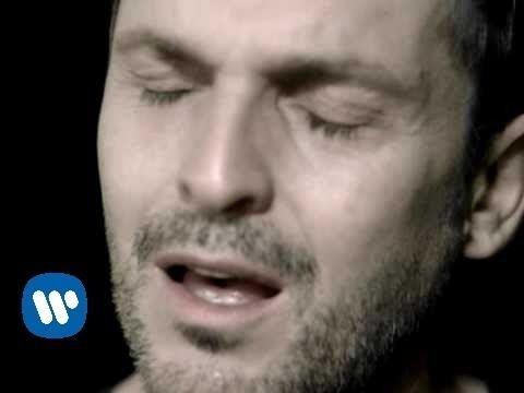 Miguel Bosé - Vagabundo - Álbum Por vos muero 2004 ( Videoclip)