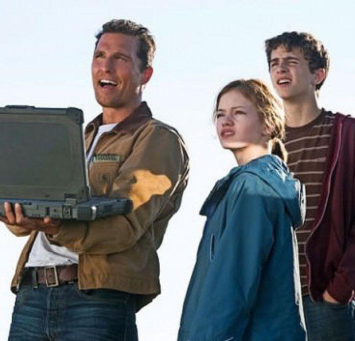 Anne Hathaway And Matthew Mcconaughey Movies: Interstellar - Cooper, Murph & Tom
