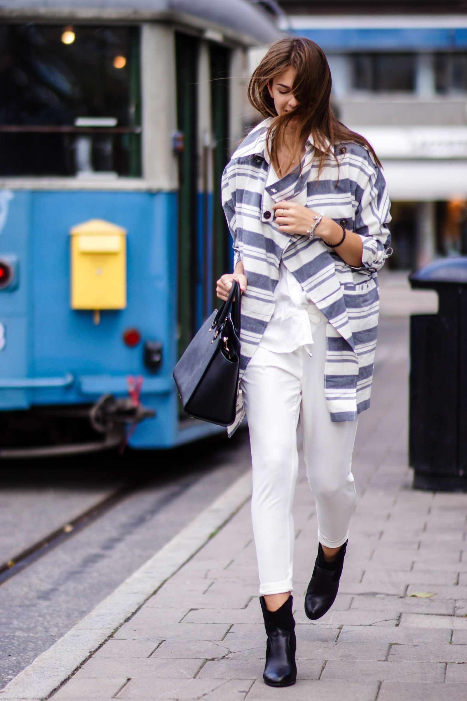 Stockholm Fashion Week Outfit No. 3  #modeblog #fashionblog #whaelse #fashion #streetstyle #summer #outfit #stockholm #fashionweek #travel #allwhite #asos #coat #stripes #striped #boots #richandroyal #whiteshirt #michaelkors #selma