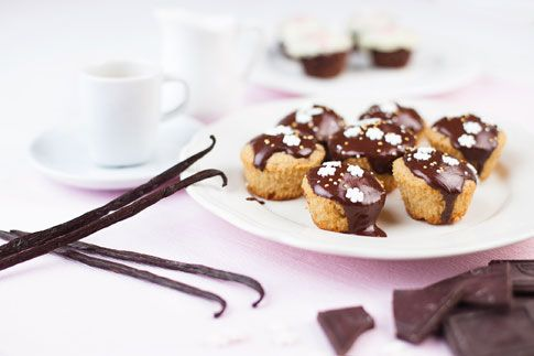 Mini dortíčky s čokoládou.