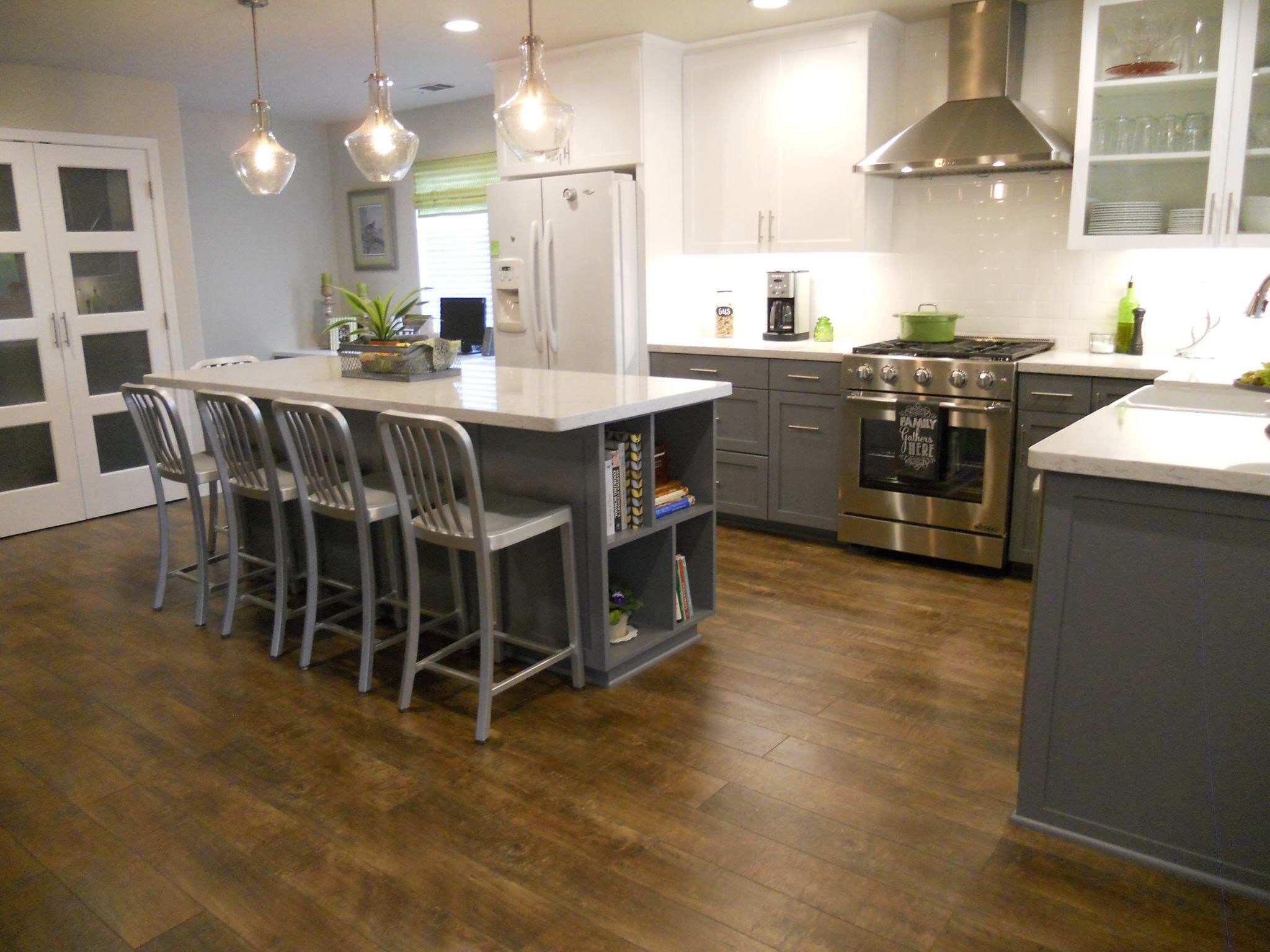 Lower Cabinets Color Benjamin Moore Antique Pewter Ppg1013 5 Uppers Benjamin Mo Kitchen Cabinet Layout Kitchen Inspiration Design White Kitchen Remodeling