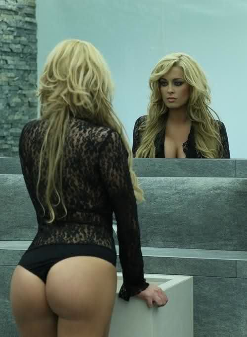 Blonde Milf With Nice Ass