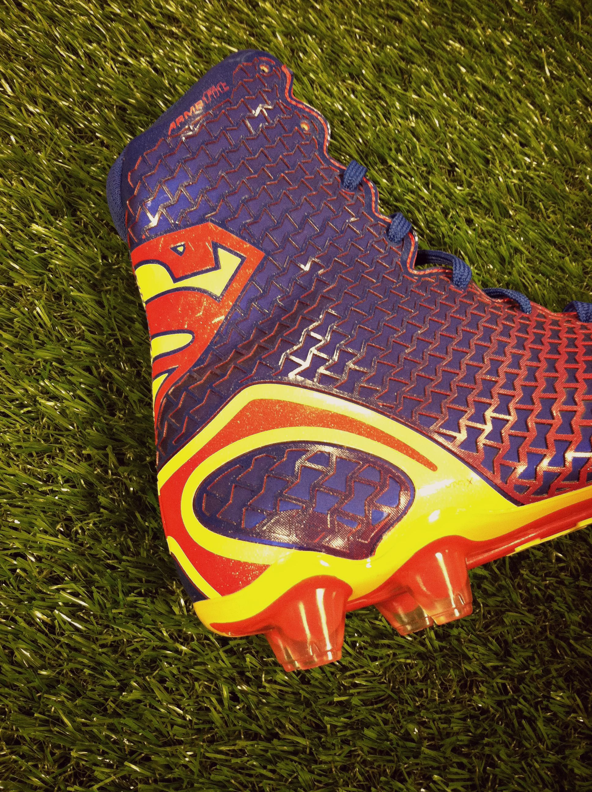 under armour highlight batman cleats