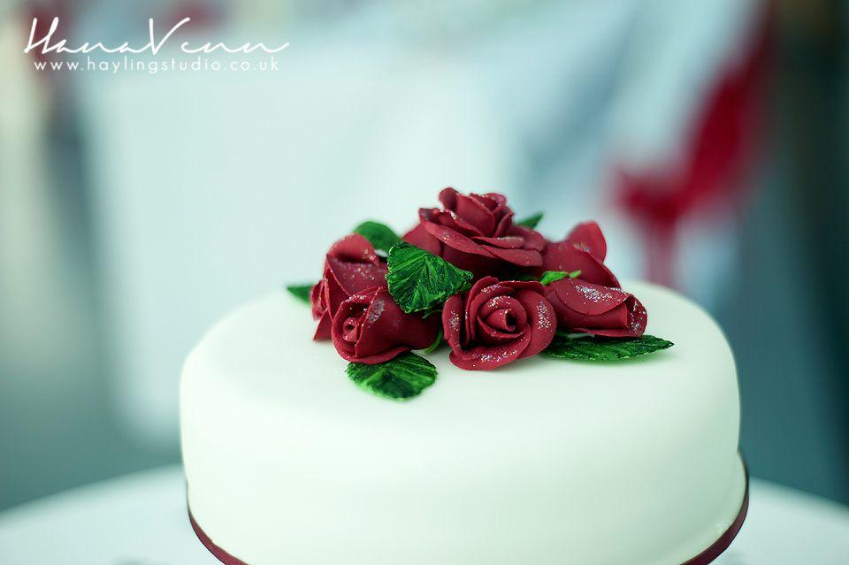 Stunning wedding cake. Simple and elegant.  PLEASE LIKE- www.facebook.com/HaylingStudio