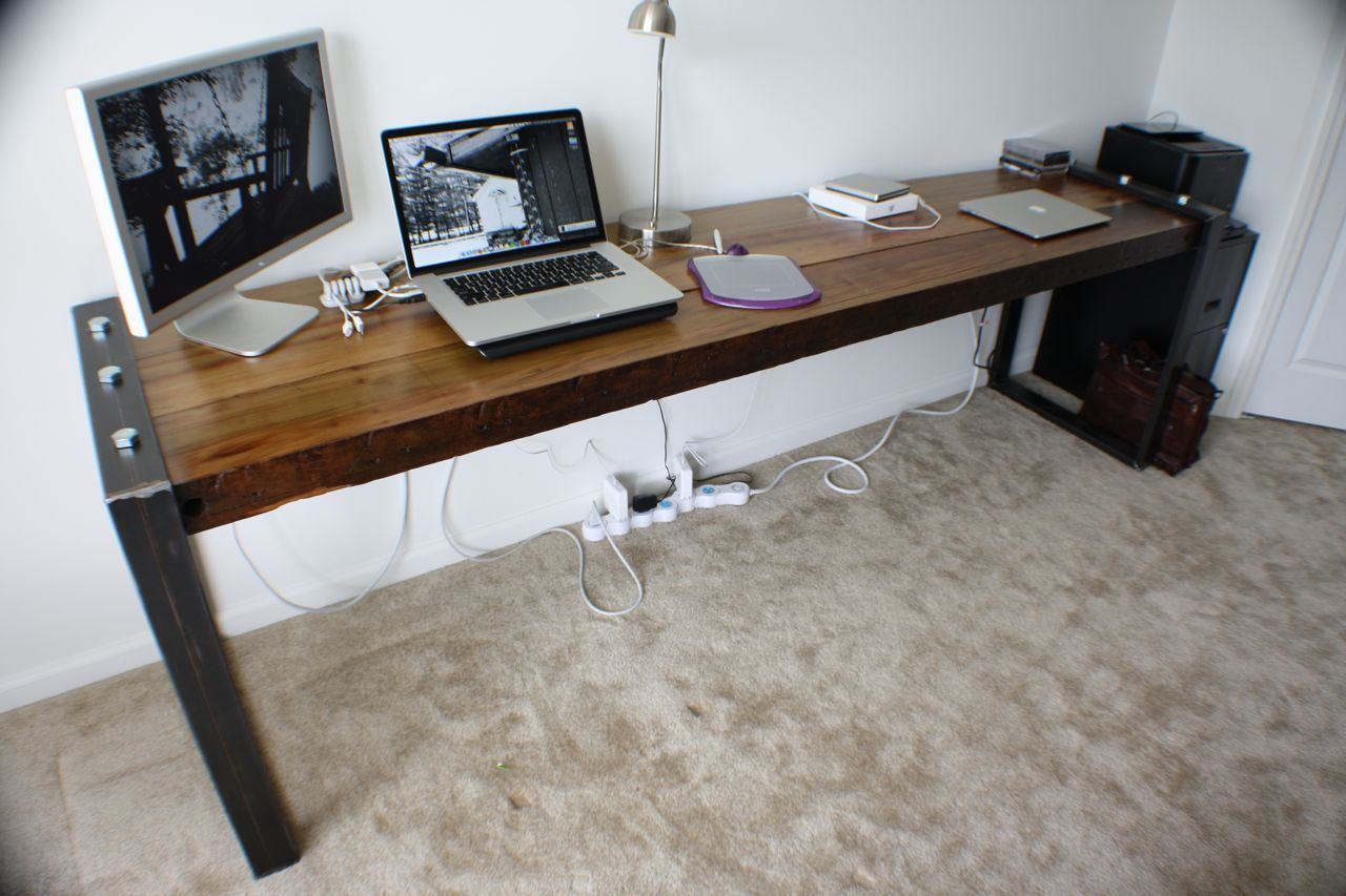 Minimal Desks Simple Workspaces Interior Design Long Computer Desk Long Desk Desk