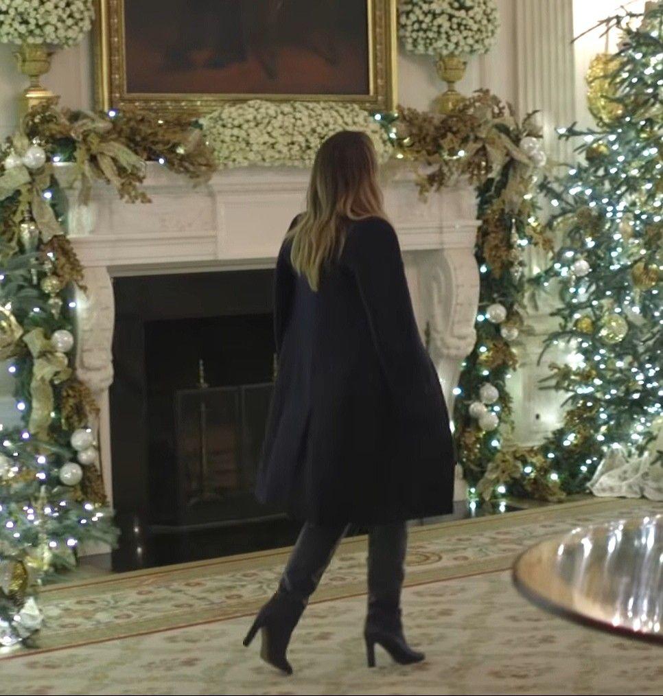 White House Christmas Party 2019 FLOTUS #Melania Trump shows off the White House Christmas