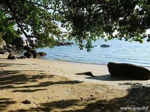 Bakar Kapor Beach Penang