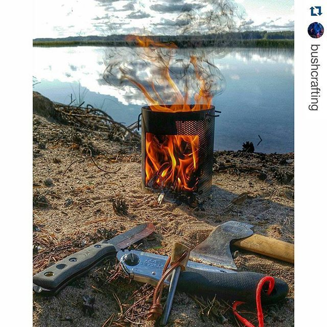 Great photo of our #Silky #pocketboy in the great outdoors! #Repost @bushcrafting ・・・ Will the Tops B.O.B. strike a ferro rod? Not so good. But the Silky Pocket Boy did strike nice sparks and it did good work on some hard pieces of fatwood too. #silkyfavorite #silkysaw #silkypocketboy #pocketboy #topsknives #topsbob #gransforsbruks #axe #hatchet #hobostove #bushcraftsaw #bushcraftknife #bushcraftstove #bushcraft #ferrorod