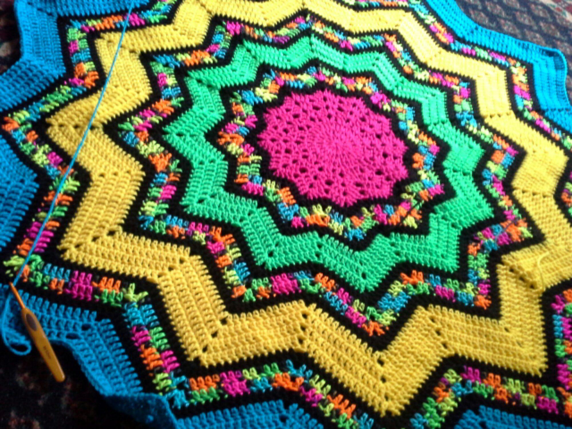 Snowbound Psych | Star blanket, Free crochet and Blanket