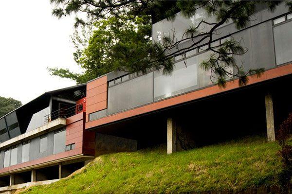 Cantilevering Modern Habitat In Guatemala City Vistas Del Angel