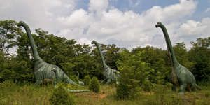 A guide to America's craziest Dinosaur Parks on Roadtrippers