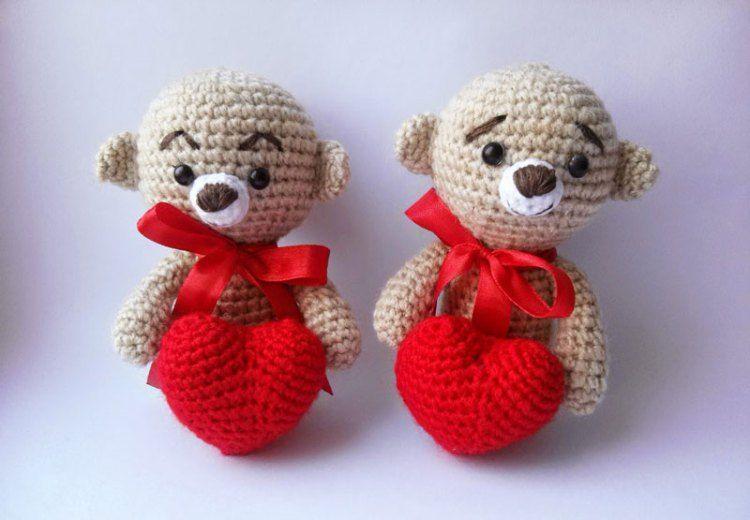 Amigurumi Crochet Patterns Teddy Bears : Amigurumi teddy bear with heart crochet pattern crochet