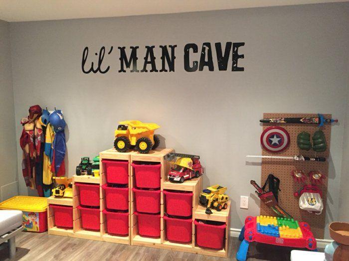 Schöne Kinderzimmer Spielecke Viele Kästen In Rot Und Gelb