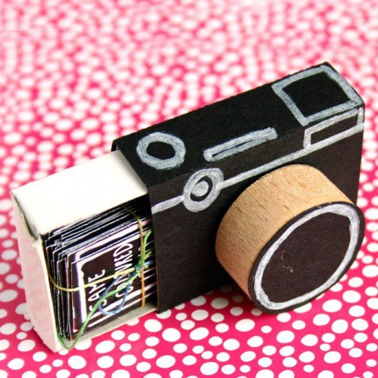 Turn a matchbox into a cute little camera and fill it with for Cute small gifts for friends