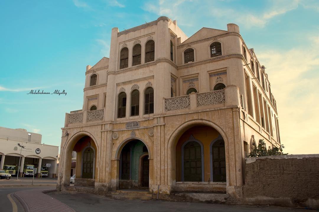 قصر الكعكي بني القصر عام 1358هـ ويقع في حي السلامة في مدينة الطائف أمام مبنى مديرية الدفاع المدني من جهة الشمال بنى القصر م House Styles Mansions Building