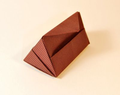 origamipage dreieckige schachteln origami boxes pinterest schachteln faltschachtel und. Black Bedroom Furniture Sets. Home Design Ideas