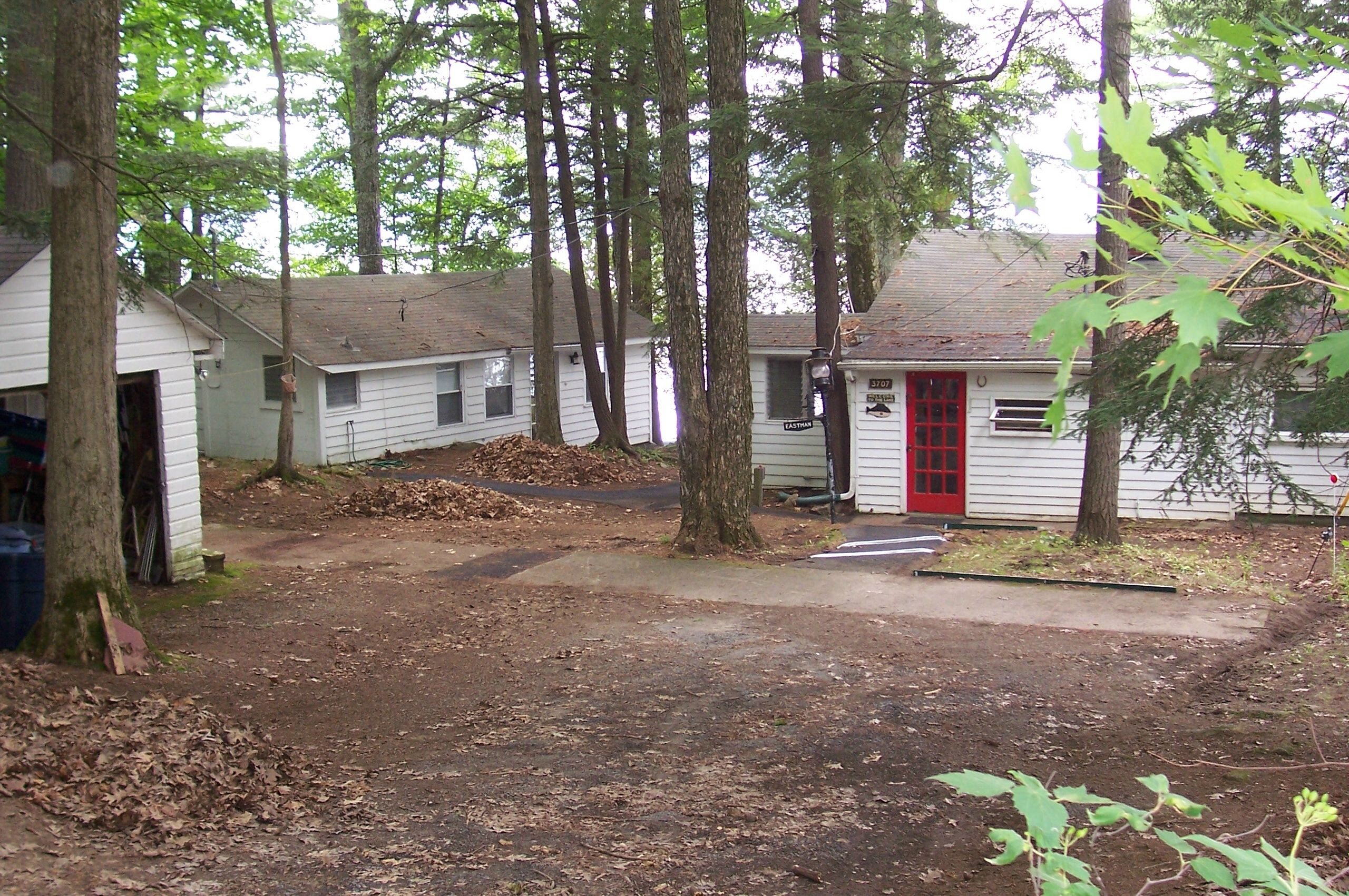 cottage room back kitchen lake near dining george rentals affordable in cabin cabins ny img