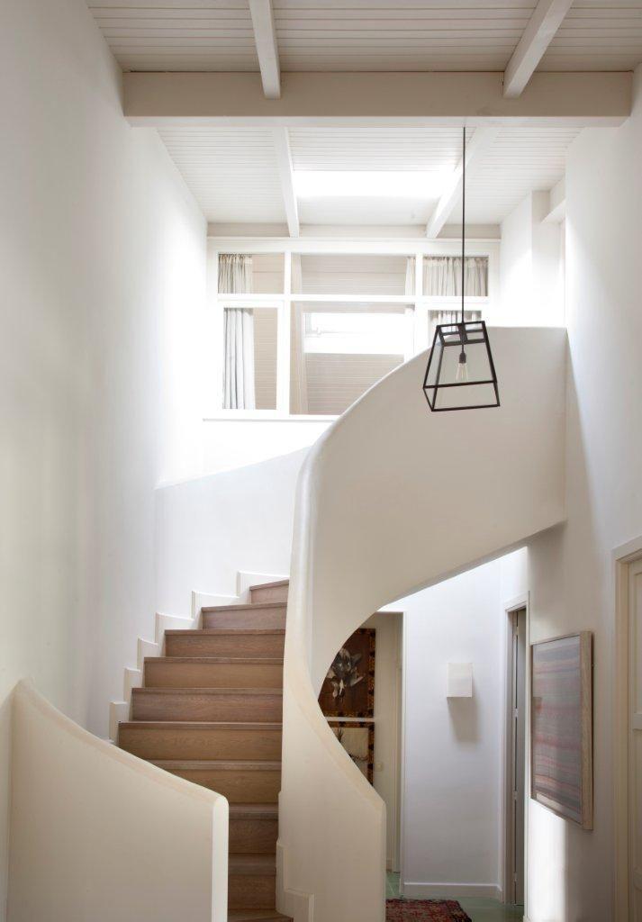 Decoracion #moderno #escalera #vidrio #barandillas #lamparas ...