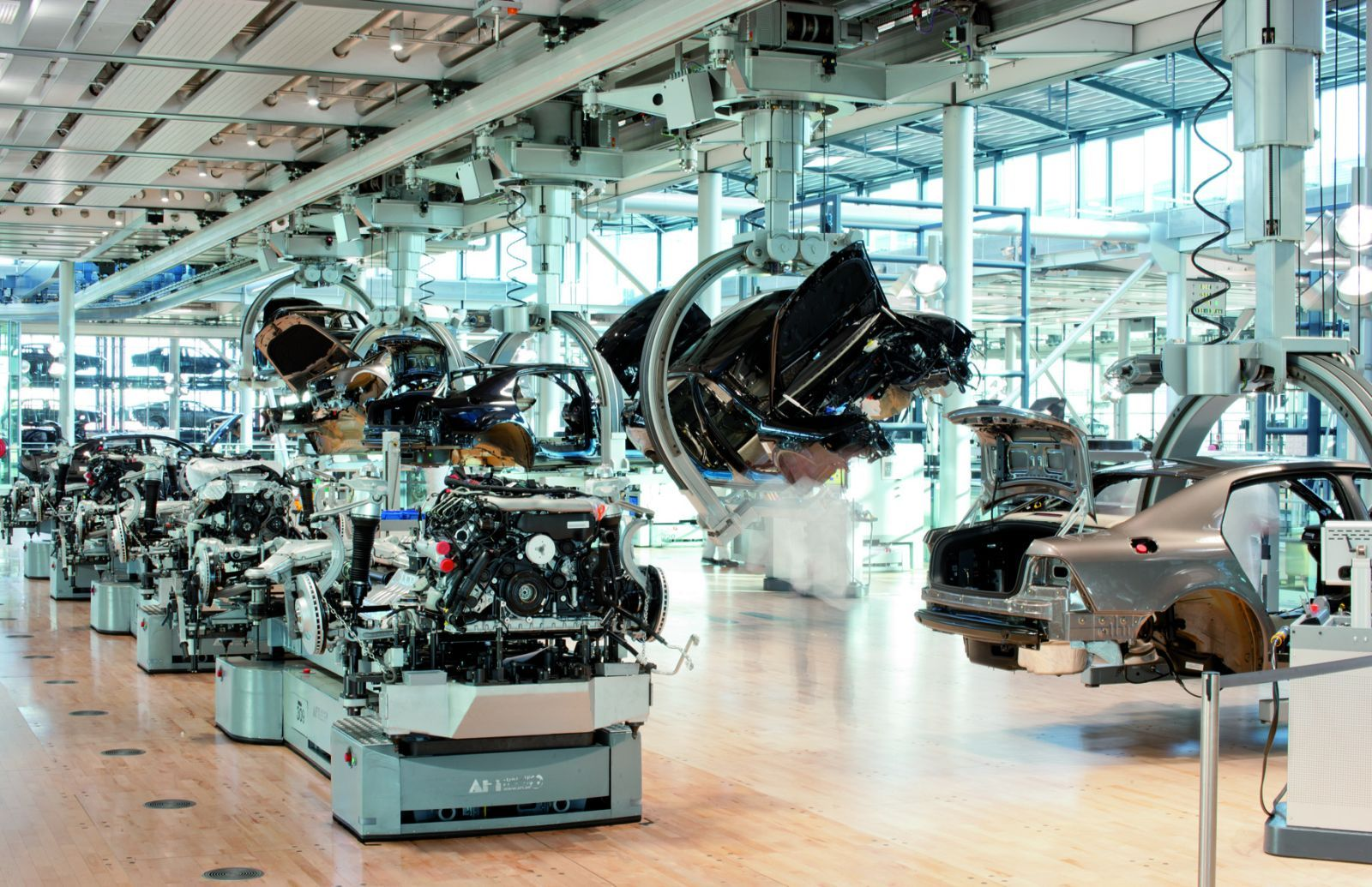 Audi assembly line - Audi4Ever - a4e Blog - Detail - Presse - Gläserne Manufaktur feiert zehnten Geburtstag