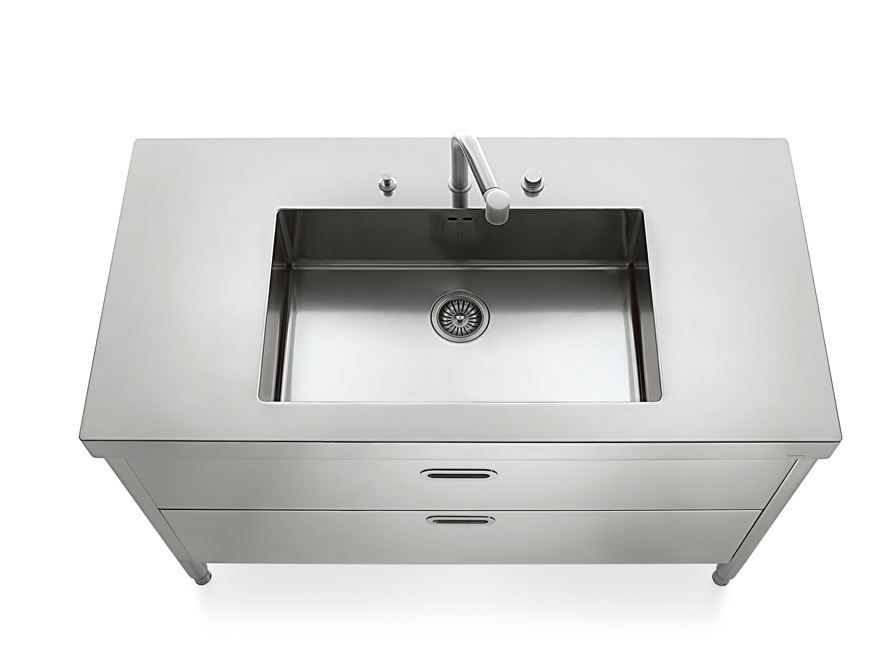 Stainless steel free-standing kitchen unit from Liberi in Cucina ...