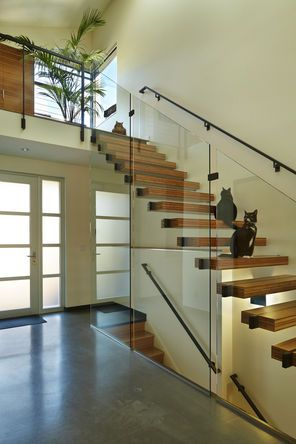 Best Modern Open Staircase Allows Light Throughout 3 Story 400 x 300