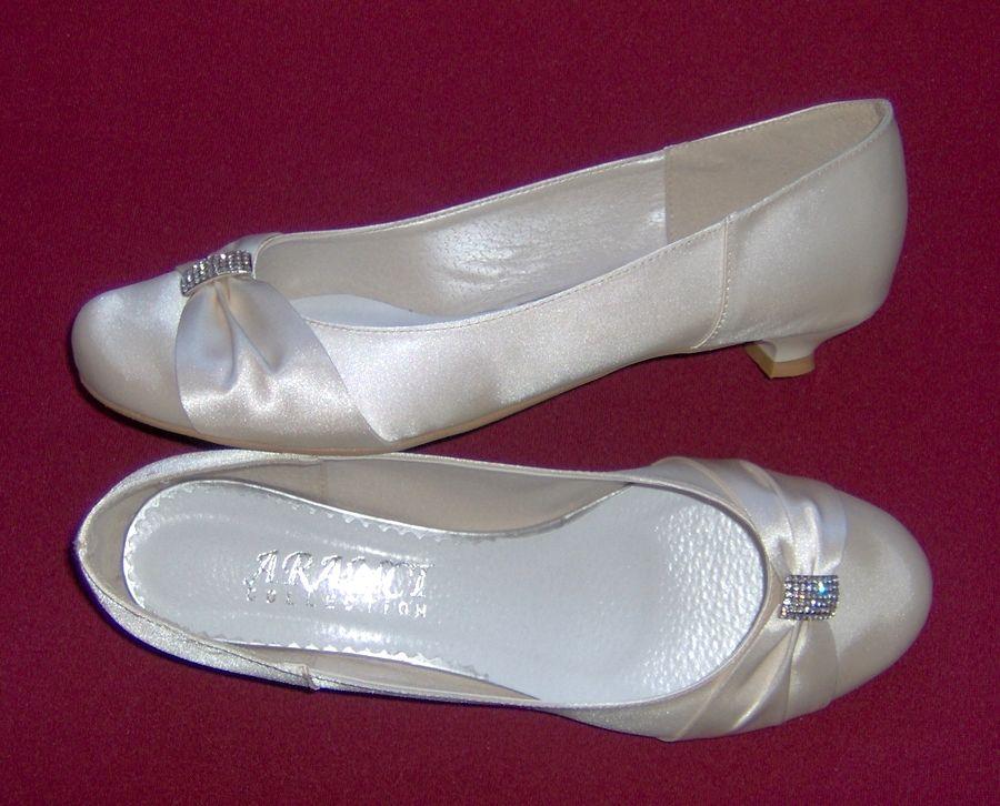 Buty Slubne Kolorowe Buty Slubne Obuwie Slubne Biale Buty Obuwie Do Slubu Plaskie Obcasy Duze Buty Duza Stopa Tega Lydka Ferragamo Flats Shoes Wedding Shoes