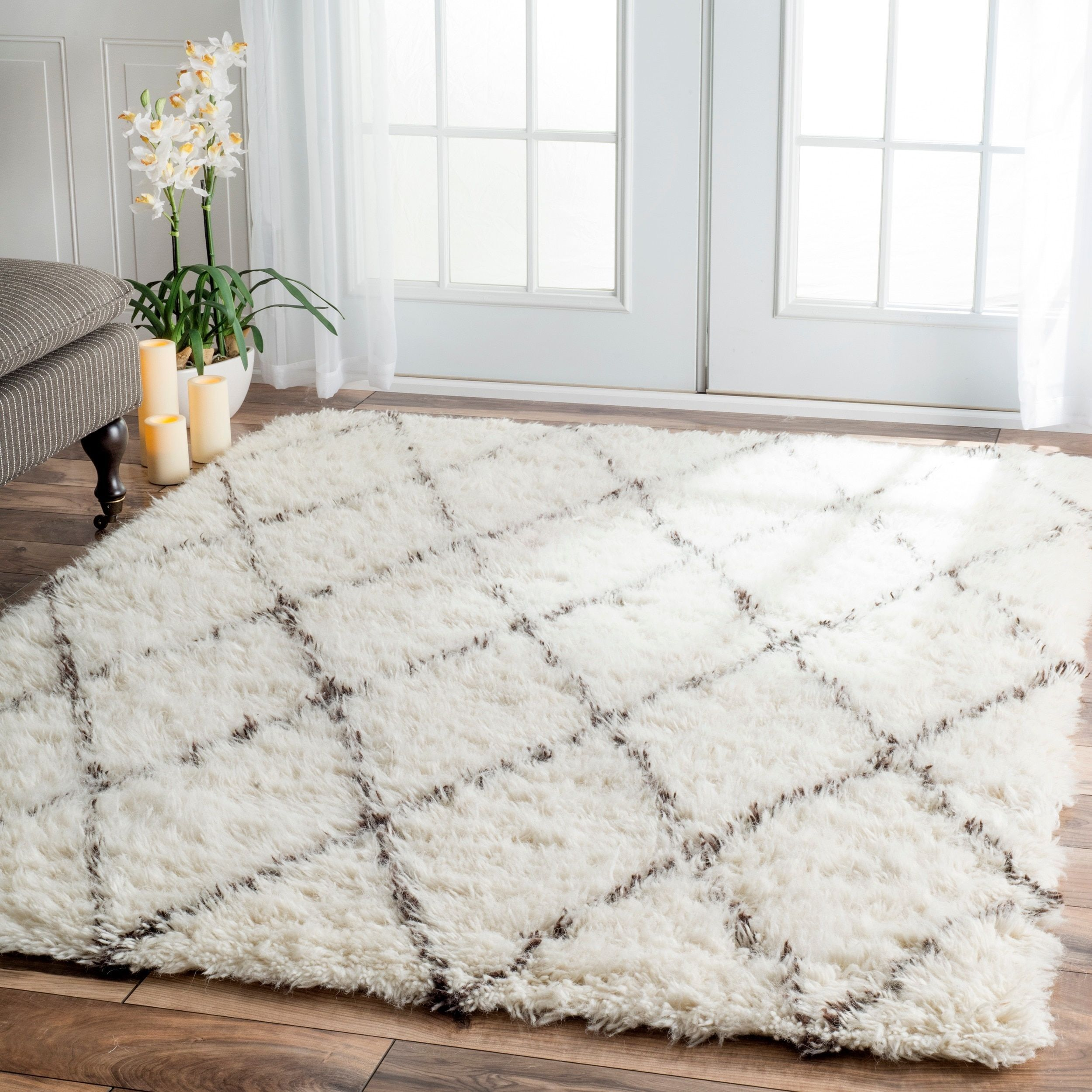 7x9 10x14 Rugs Use Large Area To Bring A New Mood An