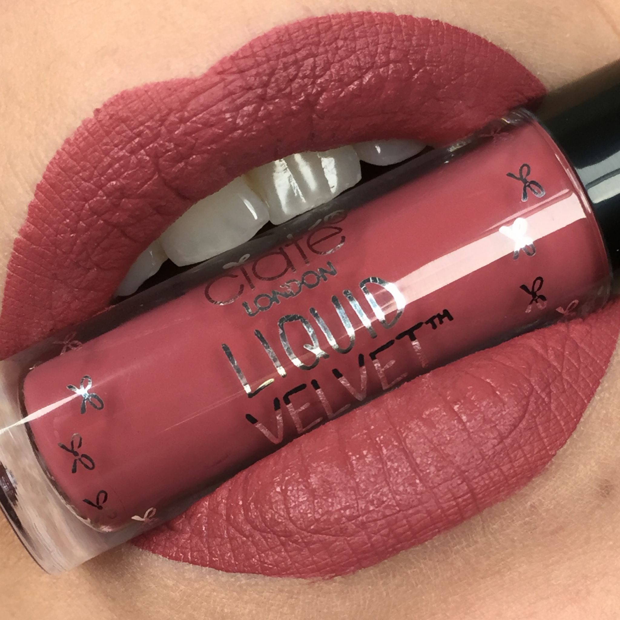 Swatch Ciate: Ciate London Liquid Velvet: Pin Up #CiateLondon #Lips