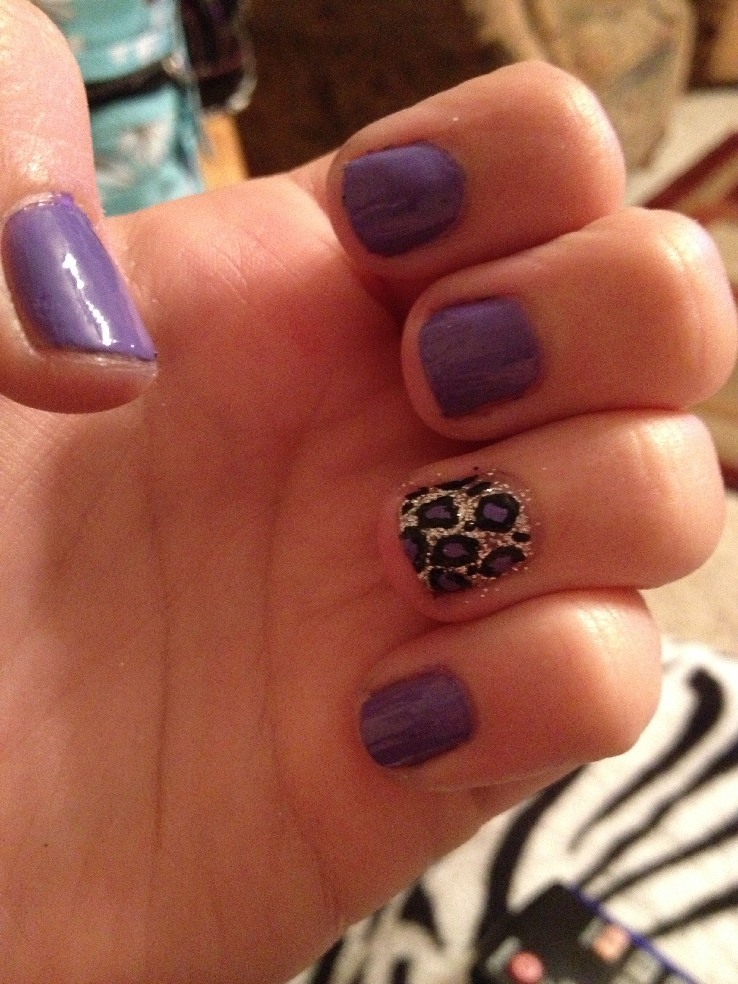First time doing cheetah nails on my own! I love them! :))
