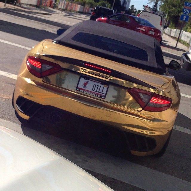 #PaoloNoise Paolo Noise: Dai dimmi cosa ti spinge a farti la macchina d'oro?!? Figa sei il re barabba! #miami #miaminoise @the_zoo_