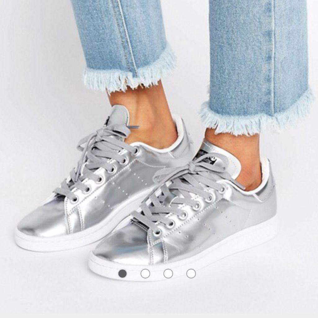 Silver Metallic Stan Smith Adidas (With Box) | Silver