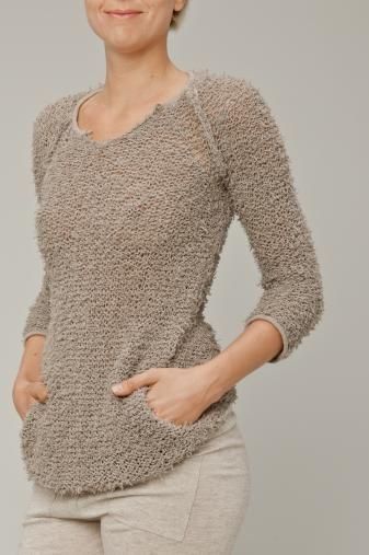 REEF knitted jumper with kangaroo pouch €108