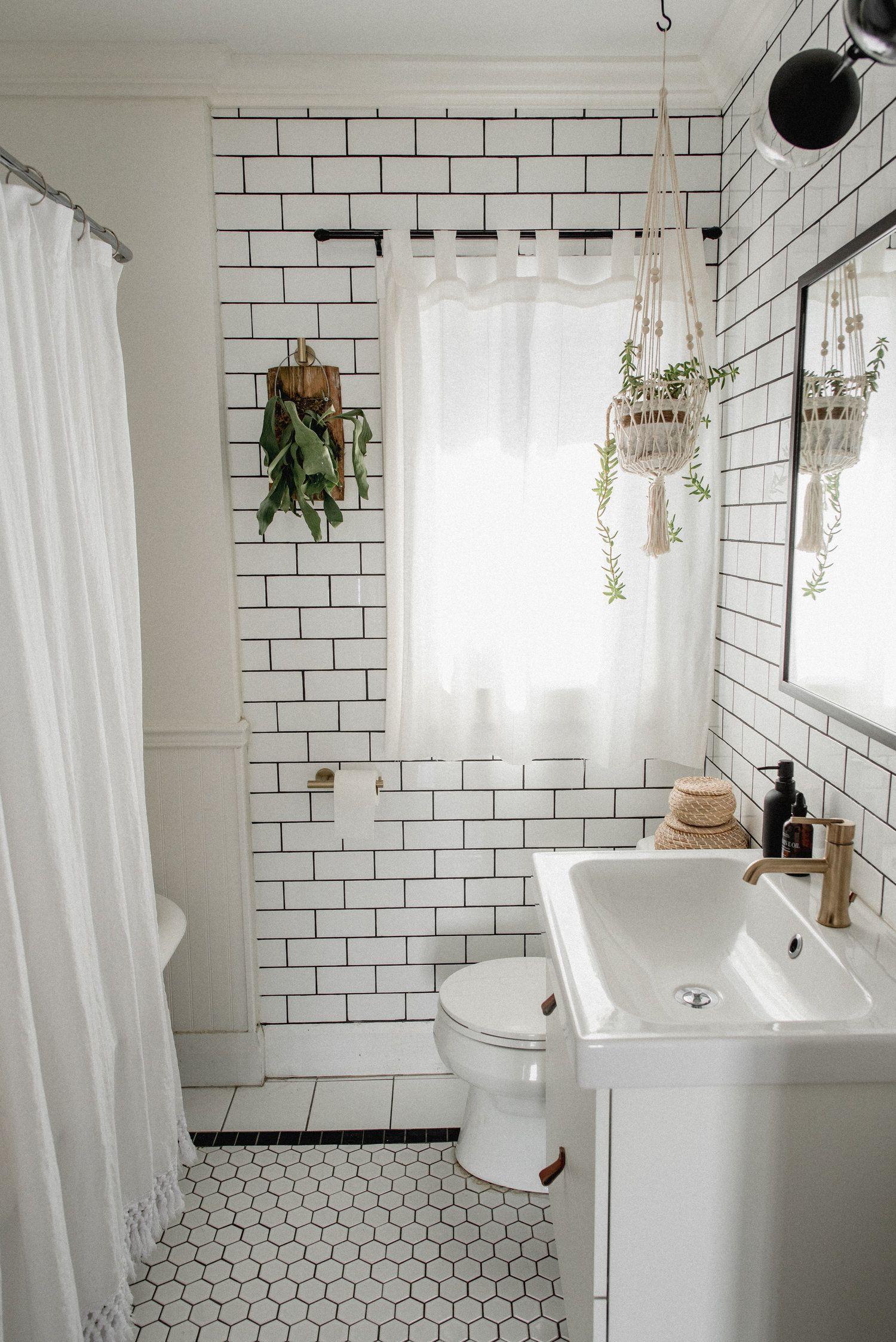 1000 diy bathroom makeover with images small bathroom on bathroom renovation ideas white id=49207