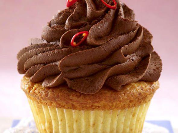 cupcake frosting 7 rezepte f r cremige h ubchen cupcakes. Black Bedroom Furniture Sets. Home Design Ideas