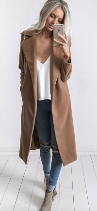 long tan coat.   Fashion, Coat outfits, Autumn fashion