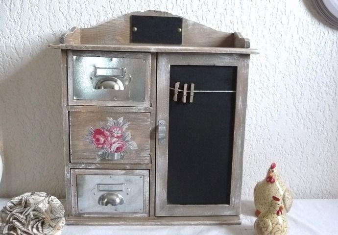 meuble en bois relook style brocante romantique meubles. Black Bedroom Furniture Sets. Home Design Ideas